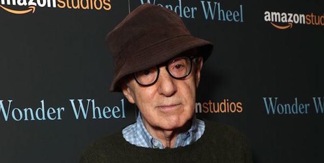 """Woody Allen risponde alla figlia Dylan Farrow: """"nessuna molestia"""""""