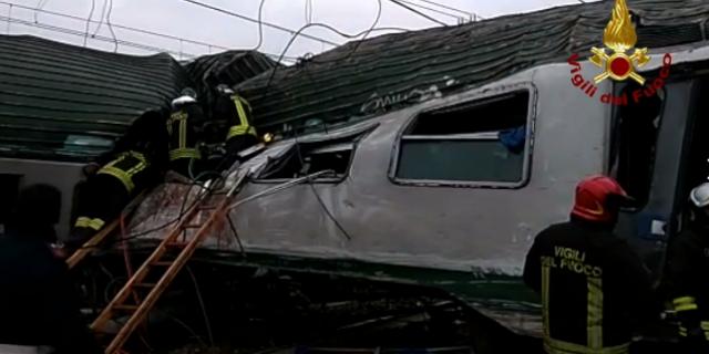 Milano, treno deragliato: 3 morti e 5 feriti gravi +++ in aggiornamento ++++