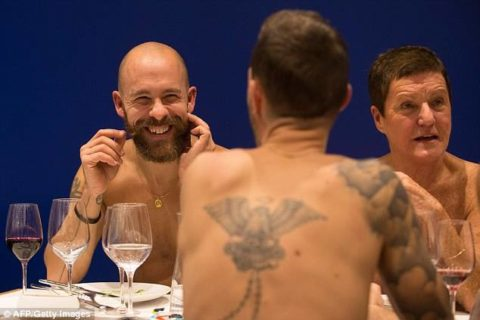 O'Naturel, il primo ristorante di Parigi in cui si mangia nudi