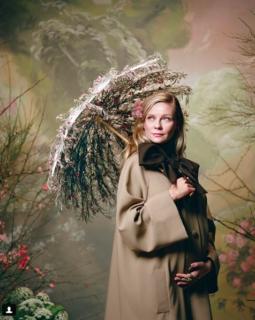 Kristen Dunst è incinta: l'annuncio di gravidanza sfida quello di Beyoncé
