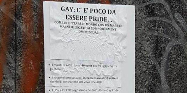 """""""I gay infettano il mondo"""": il manifesto choc davanti al liceo di Milano"""