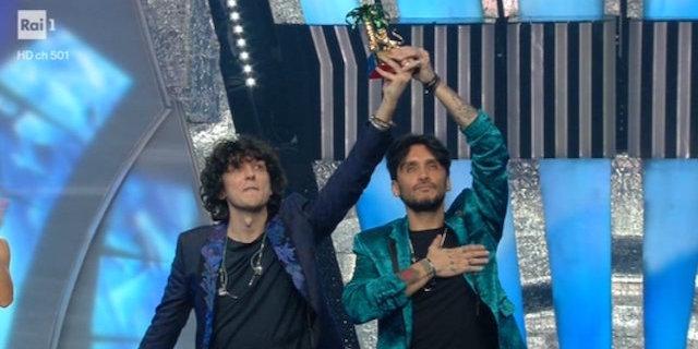 Sanremo 2018: vincono Fabrizio Moro e Ermal Meta in Non mi avete fatto niente