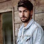 """Ignazio Moser riceve il Tapiro d'Oro da Striscia: """"Non sono cornuto"""""""