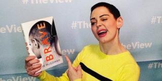 Brave, il libro di Rose McGowan: la mia verità su Weinstein