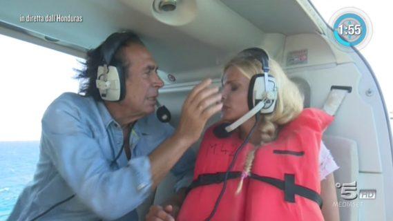 Isola dei Famosi, Giucas ipnotizza Francesca Cipriani
