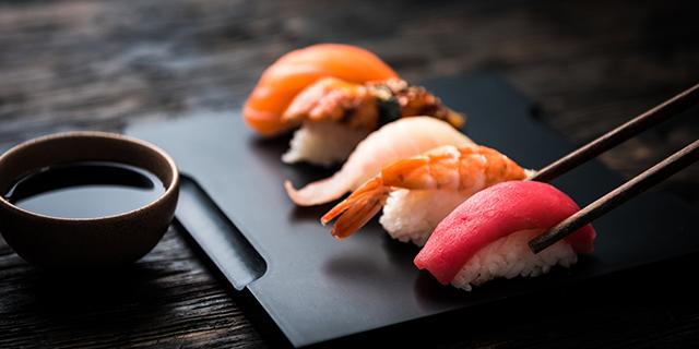 La prima barca-ristorante dove mangiare sushi arriva in Italia
