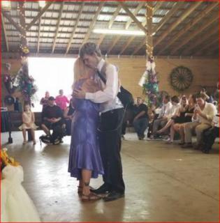 """""""Ti amo, Dustin"""" è morto il 19enne che sposò la compagna di scuola prima di morire"""