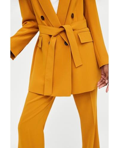 Questo completo Zara a meno di 200 euro è l'abito da sposa di Emily Ratajkowsky