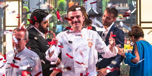 MasterChef Italia 2018: Simone vince la settima edizione del cooking show