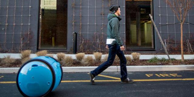 Arriva la valigia della Piaggio che ti segue ovunque