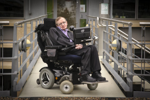 Stephen Hawking, 7 cose che l'astrofisico ci ha svelato sull'universo e sul nostro futuro