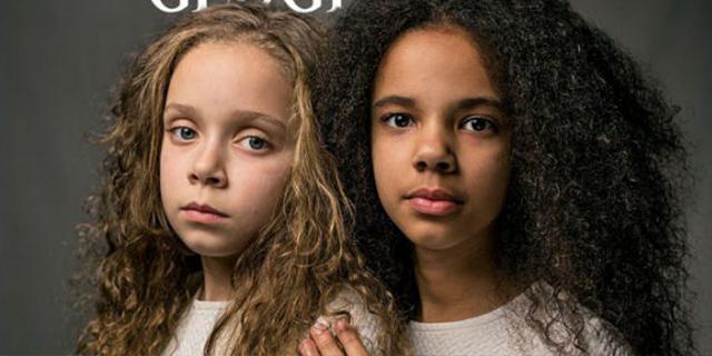 La copertina del National Geographic: ci sono due gemelle, una bianca e l'altra nera