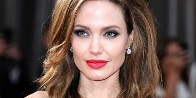 Angelina Jolie furiosa: no a trasferte fuori Usa per i figli