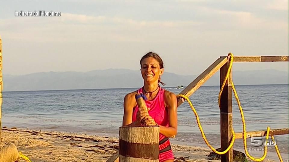Isola dei Famosi, Cipriani sconvolta dall'arrivo di Valeria Marini in Palapa
