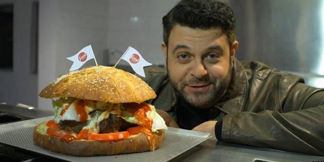 Man Vs Food sbarca a Milano: la sfida è mangiare un panino da 1kg in 35 minuti