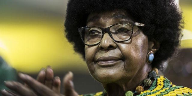 Addio a Winnie Mandela, a fianco di Nelson nella lotta all'apartheid
