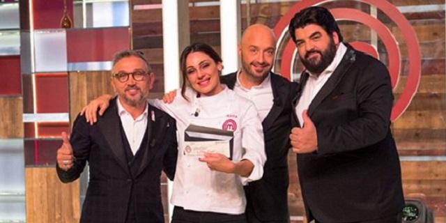 Anna Tatangelo trionfa a Celebrity Masterchef, sconfitta Orietta Berti