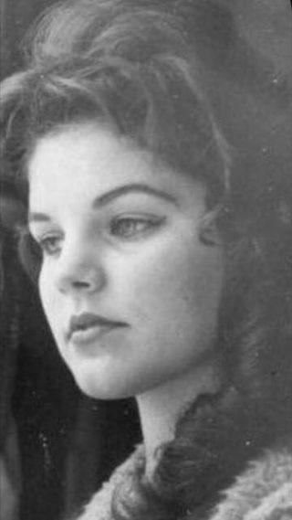 """""""Elvis si è tolto la vita"""": la rivelazione choc dell'ex moglie Priscilla"""