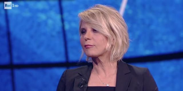 """Maria De Filippi: """"Non salgo più in macchina con Maurizio dopo l'attentato"""""""
