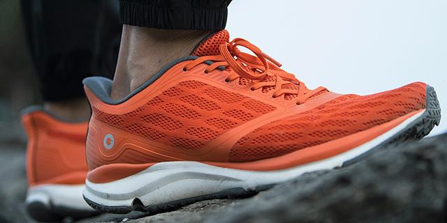 Xiaomi presenta le scarpe da ginnastica hi-tech e low cost