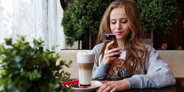 WhatsApp e Facebook presto vietati agli under 16?