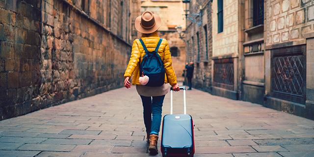 3.300 euro al mese per viaggiare: compagnia aerea cerca 2 volontari