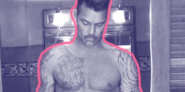 Ricky Martin su Instagram mostra un fisico al top