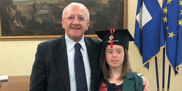 Giulia, studentessa con sindrome di Down si laurea con 110 e lode