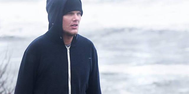 """La moglie di Chester Bennington contro TMZ: """"Basta dettagli sulla morte di Avicii"""""""