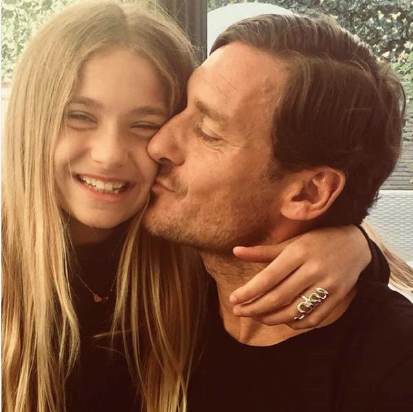 Chanel Totti ha già 11 anni: la dedica di papà e il regalo di mamma