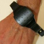 Stalking, arriva il braccialetto che monitora i persecutori