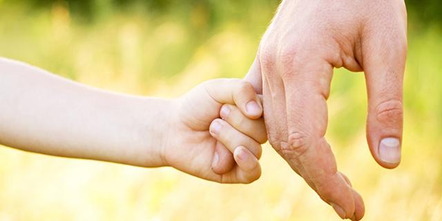 """Chiamano la figlia """"Blu"""": genitori convocati dal pm per rettificare il nome"""
