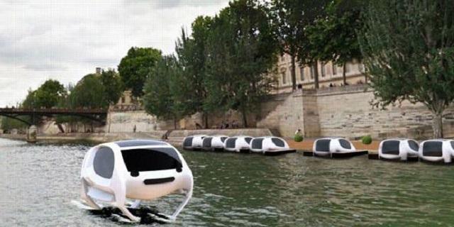 """Parigi, sono arrivati i taxi che """"volano"""" sopra la Senna"""