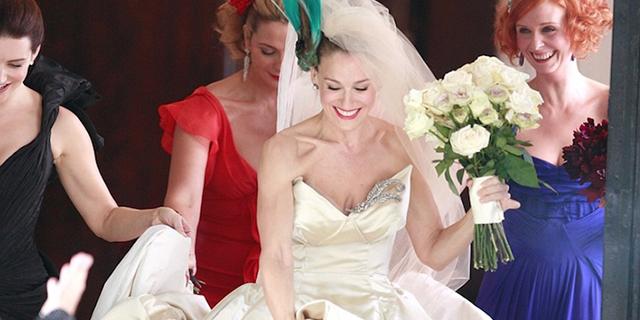 L'abito da sposa di Carrie compie 10 anni: si potrà ammirare dal vivo