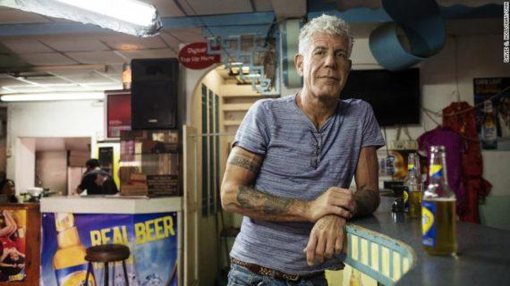 Il suicidio di Anthony Bourdain, ritratto dello chef ribelle compagno di Asia Argento