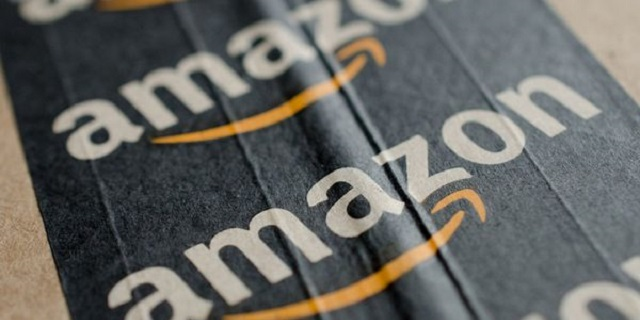 Amazon, Poste Italiane consegnerà anche di sera e nei weekend
