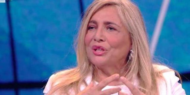 """Mara Venier torna da Domenica In: """"Mi dicevano che ero vecchia"""""""