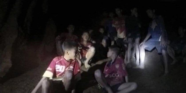 Perché i 12 ragazzini thailandesi potrebbero restare bloccati nella grotta per mesi