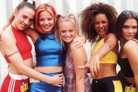 Victoria Beckham posta una foto delle Spice Girls e tutti pensano alla reunion