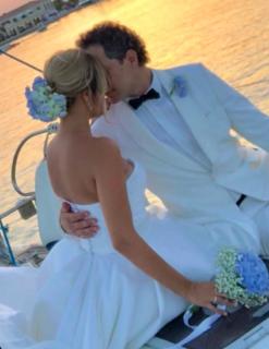 Claudio Santamaria e Francesca Barra sposi bis in riva al mare