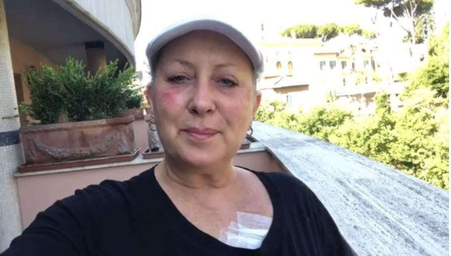 """Carolyn Smith: """"La lotta contro il cancro continua, ma io sorrido"""""""
