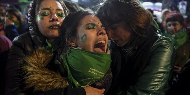 Argentina, bocciata la legge sulla legalizzazione dell'aborto