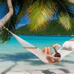 Libraio alle Maldive, cercasi candidati per un lavoro da sogno