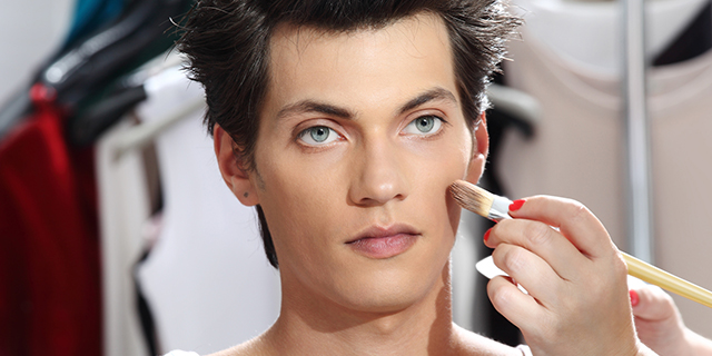 Boy, Chanel lancia il make up per uomini