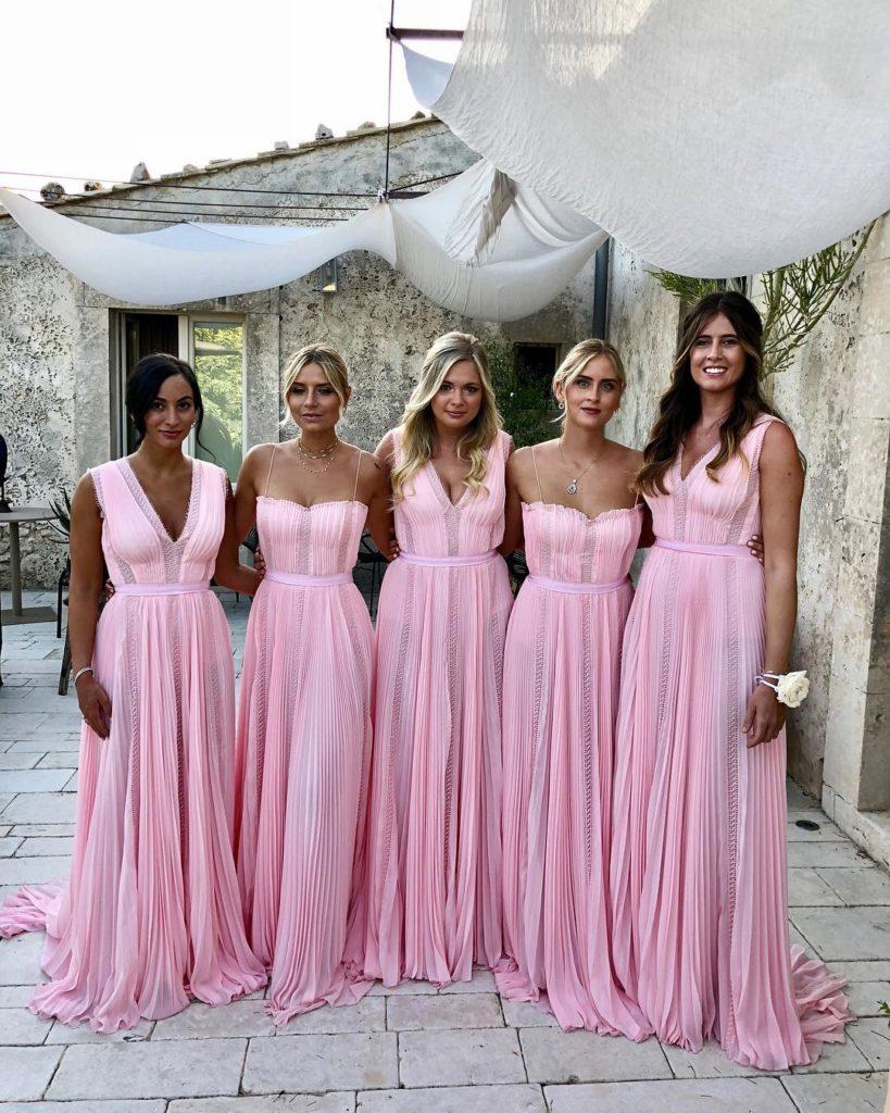 Emozionate e raggianti: com'erano le damigelle di Chiara Ferragni al Social Wedding