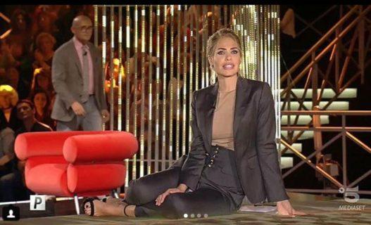 Tutti gli outfit di Ilary Blasi al GF VIP 2018
