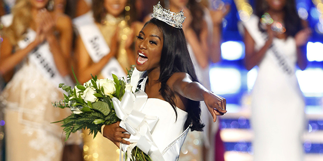 Chi è Nia Imani Franklin, la prima Miss America senza bikini