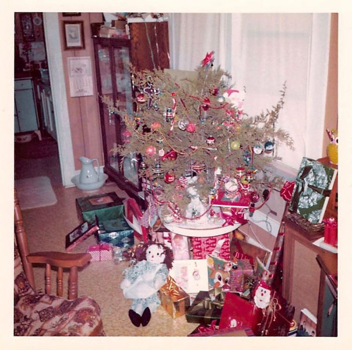 30 foto di decorazioni natalizie degli Anni '50-60 che mostrano quanto siamo cambiati