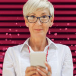 L'amore non ha età: arriva Singles50, l'app di dating per i senior