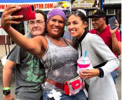 Alexandria Ocasio-Cortez, perché quel rossetto rosso è rivoluzionario